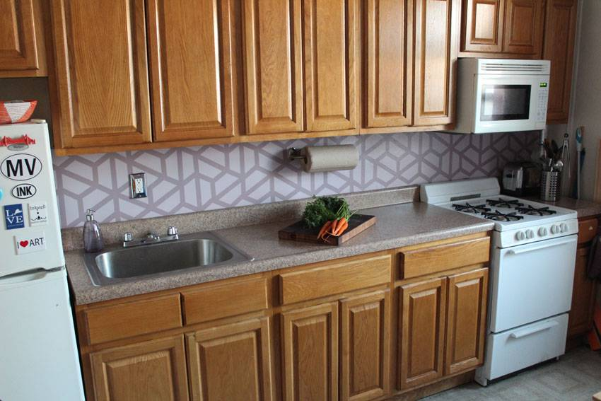 Inexpensive DIY Geometric Tile Painted Backsplash | Runaway Apricot