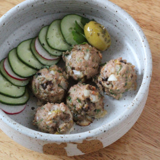 Turkey-Mushroom Meatballs with Olives | Runaway Apricot